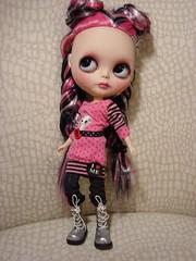 Estella wears Plonsjeroze