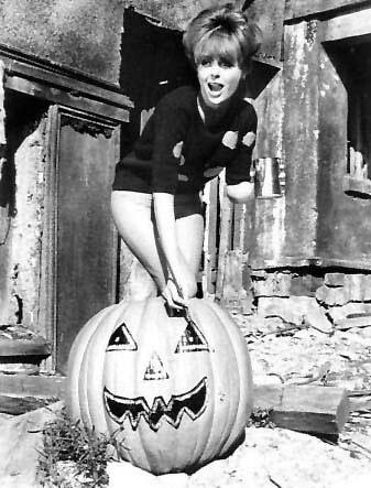 HALLOWEEN PINUP DEBORAH WALLEY 1965