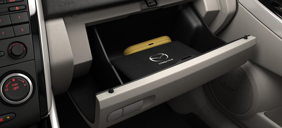 Mazda CX-7 cabin, cargo area