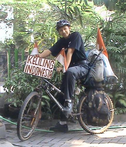 NUMPANG TAMPANG BIAR DIKIRA BERKELILING INDONESIA BENERAN