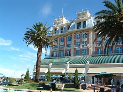 Hotel GRACELAND