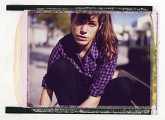 600 SE (Bordons) Tags: portrait mamiya film face polaroid retrato silk instant fujifilm expired seiko 600se 127mm fp100c polaroid600se fp100