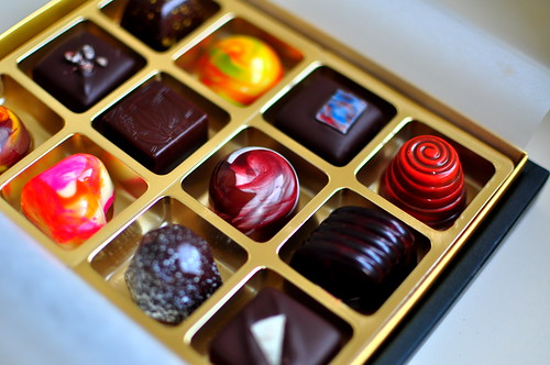 SHINY HAPPY CHOCOLATES