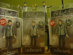 B-Side: Operation Free-A-Pocket In Effect...Chuuch. (Pocket Edward) Tags: toy actionfigure eclipse discount twilight sale jacob edward pocket newmoon borders midnightsun cullen brutha bside mindreading bruthas breakingdawn edwardcullen jacobblack pocketedward mingreading freeapocket freeabrutha