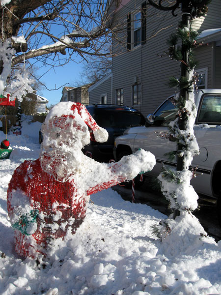 Snowy Santa (Click to enlarge)