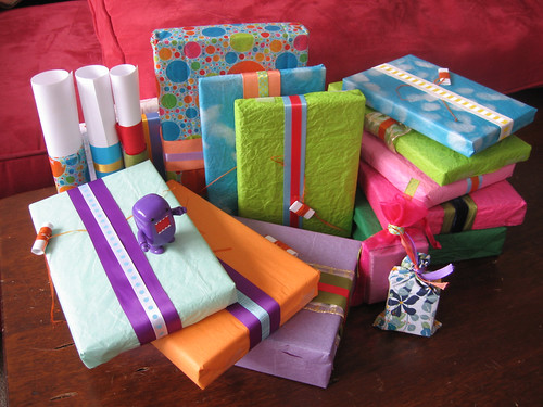 Hanukkah 09 - gift wrap