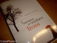 Tem #Sorteio no blog: http://coisaphynna.blogspot.com/2011/05/menina-que-roubava-livros.html (Coisa Phynna) Tags: livros sorteio ameninaqueroubavalivros
