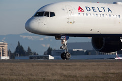 2017_02_12 KSEA stock-10 (jplphoto2) Tags: 757 757200 boeing757 deltaairlines deltaairlines757200 jdlmultimedia jeremydwyerlindgren ksea n536us sea seattletacomainternationalairport aircraft airline airplane airport aviation