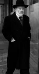 Detective Thompson (lacajadepandora) Tags: street portrait man blancoynegro calle buenosaires retrato suit urbana sir hombre seor whiteandblack