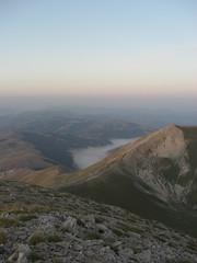 Summer morning (Fonzolo) Tags: mountain night sunrise dark alba top monte montagna notte cima piana castelluccio vettore