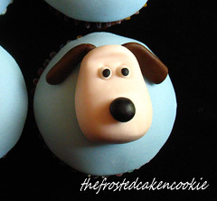 Tuesday Toppers: Gromit Cupcake