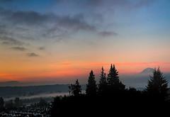 Suburban Sunrise (l.gallier) Tags: houses sky fog sunrise early washington nikon september valley evergreens cascades photomerge mtrainier pacificnw suberbia notasunset lgallier kentwashingtonvallley