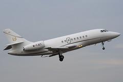 M-YJET - Private - Dassault Falcon 2000EX - Luton - 090130 - Steven Gray - IMG_7662