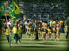 SPIRIT OF OREGON (Michael Lechner) Tags: game college sports field oregon football team cheerleaders stadium blondes ducks eugene babes blonde ncaa brunettes pompoms picnik eugeneoregon goducks oregonducks collegefootball autzen collegesports pac10 division1 autzenstadium oregoncheerleaders oregonducksfootball oregonduckscheerleaders mightyoregon duckscheerleaders ducksspirit goducksgoduckscheerleaders