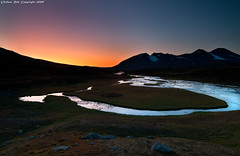 Colors of the nordic twilight (Rob Orthen) Tags: autumn sunset sky mountain fall finland river landscape nationalpark twilight nikon rocks europe sundown sweden hiking august rob lee lapland sverige filters scandinavia maisema fjell akka lappi syksy kansallispuisto thenorth sarek d300 lapinkulta vaellus ruotsi tunturi ahka elokuu storasjfallet orthen gnd09 roborthenphotography tokina1116mm retkiremmi laplandsgold retkiremminet