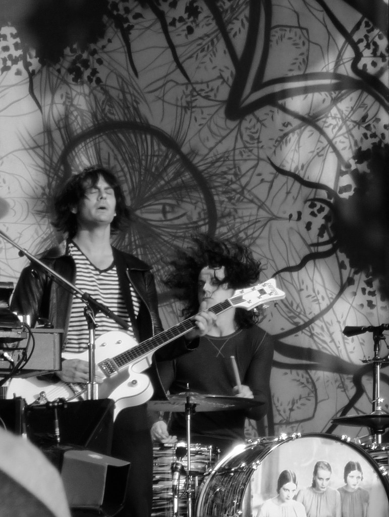 The Dead Weather - Dean Fertita and Jack White