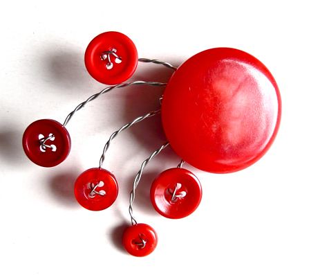 How to Make a Button-and-Wire Brooch
