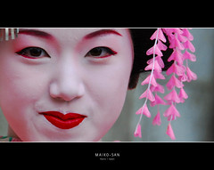 (Evan_Williams) Tags: woman smile japan lady happy nikon kyoto pretty sunday colourful nikkor vr maikosan 18200mm d80