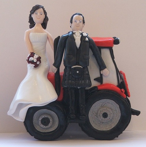 metal tractor wedding cake topper tractor and groom wedding cake toppers craftjuice 17269