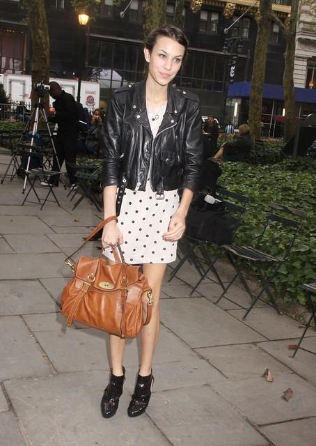 alexa_chung_derek_lamb_tikipeter_celebritycity_005