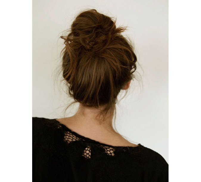 12-french-bun-hair-how-to_sm[1]