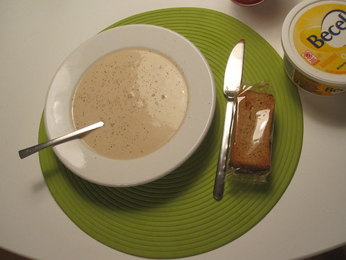 Cream of mushroom soup and crackers
