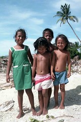 Red Beach (MJField) Tags: kiribati tarawa redbeach betio