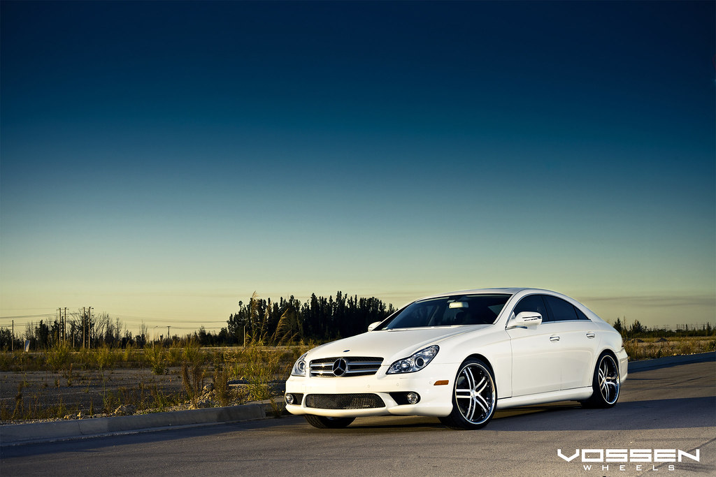 White Cls Lowered On The New Vossen Vvs085 20x9 20x10 5 Photoshoot Mbworld Org Forums