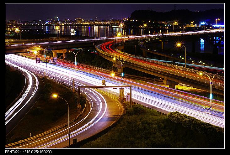 關渡橋─開始想學怎麼用閃燈了......