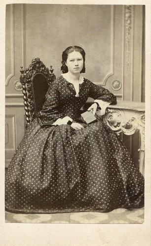 CDV Portrait of a young woman - Germany - c.1865