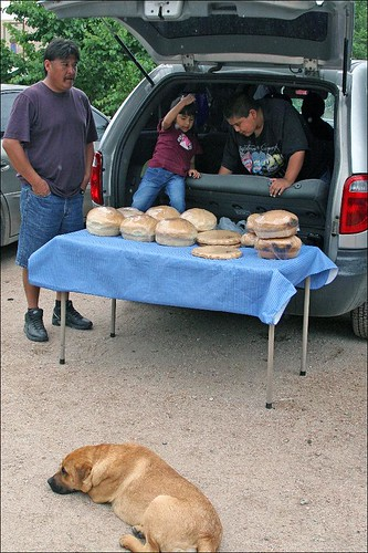 Family selling hearth-baked breads