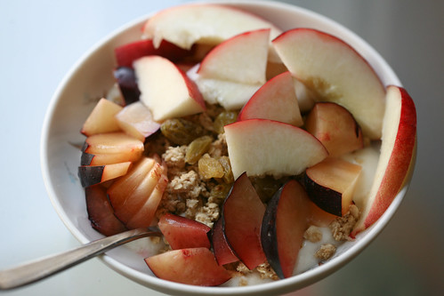 stone fruit breakfast
