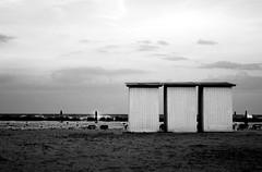 tre cabine (]babi]) Tags: sea beach mare beachhuts spiaggia cabine dinverno marmare beachhutse lpseascape