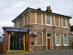 Picture of Snaresbrook Station