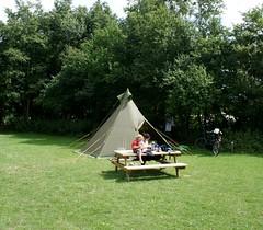 tent (Marian Florcita) Tags: camping verde green tent tipi carpa tepee heemskerk