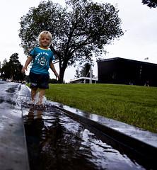 Vannlek i byparken
