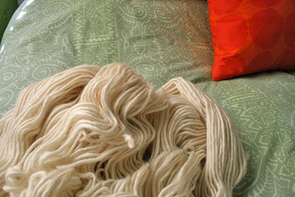 cream_yarn