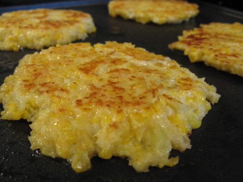 A Good Appetite: Cheesy Cauliflower Pancakes