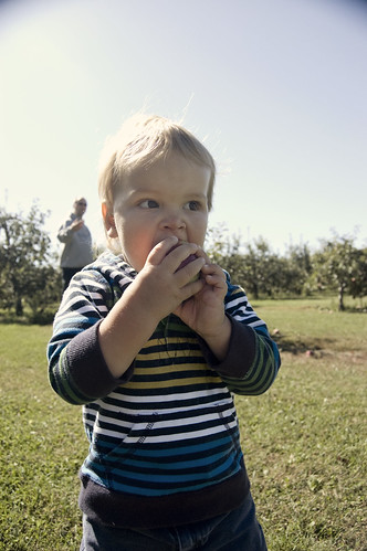 Lucas eating apple again