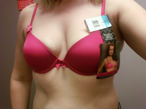 boobs with women breast bra pics: womeninbras