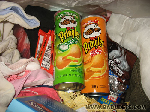 Pringles adds krrunch in opening the balikbayan box