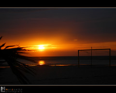 Sunset at Foz do Arelho II (Marco_Coelho) Tags: sunset sky sun sol portugal palma fozdoarelho pds baliza ilustrarportugal srieouro