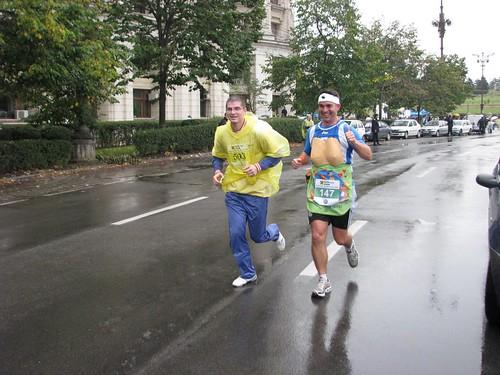 Alergand intre prieteni – Maratonul International Bucuresti 2009