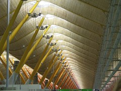 Madrid Airport (Wurzel) Tags: madrid wood yellow airport spain curves angles terminal ceiling slats aeroportodemadridbarajas thingsyoutakephotosofwhenboredwaitingforyourconnectingflight