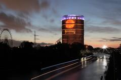 Gasometer Oberhausen im Abendlicht Plakat Sternstunden