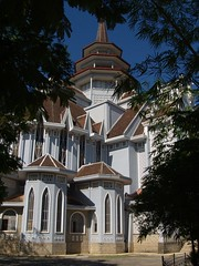 hue_38 (Torben*) Tags: church architecture geotagged lumix cathedral kathedrale kirche panasonic vietnam architektur hue fz50 rawtherapee dongcuacuuthe geo:lat=16457809 geo:lon=107595104