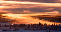 Misty sunrise (NaustvikPhotography.com) Tags: winter mist snow mountains nature norway fog sunrise landscape bluesky beitostlen winterwonderland pinkclouds tke soloppgang jotunheimen beitostolen canonef70200mmf4lisusm naustvik canoneos40d jarlenaustvik