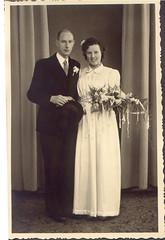 tante Anny Roemeling en oom Lammert Aslander ter gelegenheid van hun huwelijk op 07-01-1947