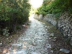 Sur le sentier Paraguano-Bonifacio : le bel escalier de pierre après la calanque N de Bonifacio