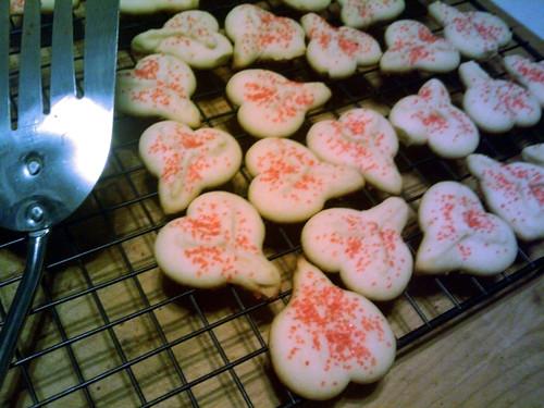 02/11/10 heart cookies? testicle cookies?